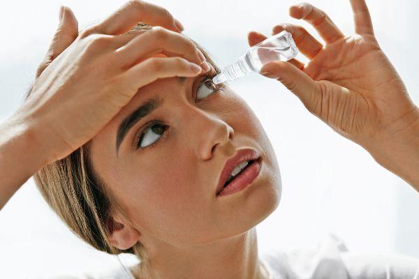 popotna lekarna in kapljice za oči